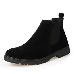 8503a0b75 Sapatos de Camurça de Couro 2017 Outono Inverno Homens Chelsea Botas de Moda  Botas Dos Homens Marca Masculina Ankle Boots Quente para o Inverno Frio