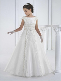 $enCountryForm.capitalKeyWord NZ - White First Communion Dresses New Lace Floor Length Flower Girl Dresses Hand Made Kids Infant Toddler Gowns Birthday Party Gowns For Junior