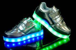 Großhandel 2016 NEUE stil kinder LED licht schuhe kinder Nachtclub tanzschuh jungen und mädchen sneaker mode schuhe freizeitschuh für 4-16 jahre kind.