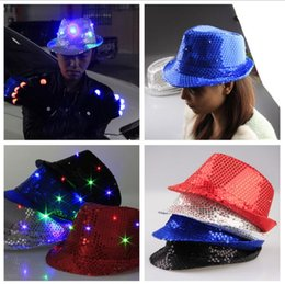 Robes Lumineuses Pas Cher-5 couleurs Clignotant éclairé Led Fedora Trilby Sequin Unisexe Fancy Dress Dance Party Hat LED Unisex Hip-Hop Jazz Lampe Luminous Hat