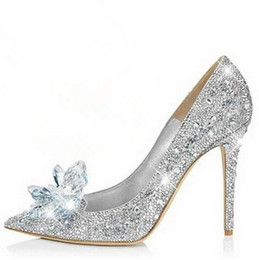Barato Sapatas Do Salto Alto De Cinderella-Brand Shoes Mulher High Heels Sapatos de casamento Crystal Cinderella Shoes Saltos altos Women Shoes Rhinestone Butterfly Heels wed shoe for bride
