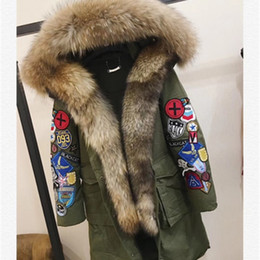 Barato Colar De Design Bordado-Luxo Bordado Fur Down Jacket Quality Brand Design Long Style Mulheres Down Parkas Big Fur Collar Down Coat