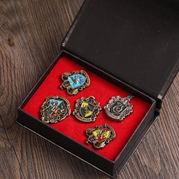 Discount harry potter badges - Metal Harry Potter Insignia 5 Roles Set Badge Metal Gryffindor Hufflepuff Slytherin Ravenclaw and Hogwarts Halloween Cos