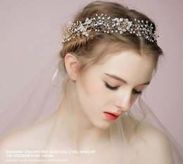 $enCountryForm.capitalKeyWord Canada - Vintage Wedding Crystal Rhinestone Headband Ribbon Headpiece Bridal Princess Crown Tiara Gold Silver Flower Headdress Hair Accessories Band
