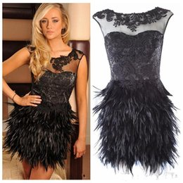 Barato Penas Pretas Do Vestido Do Clube-Sexy Short Black Lace Appliques Sheer neck Vestido Cocktail Feather Skirt Short MiniSleeveless Tulle Formal Wear Homecoming Vestidos