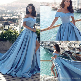 Piste De Mode Pas Cher Pas Cher-Custom Made Cheap Light Sky Blue Satin A Line Robes de soirée 2017 Off Shoulder Front Split Sweep Train Fashion Runway Prom Party Gowns