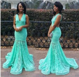 Longue Robe De Dentelle Turquoise Pas Cher-Turquoise Green Full Lace Mermiad Prom Robes de soirée V Neck africain Robe de Soiree Train de balayage Formal Long Evening Pageant Gowns
