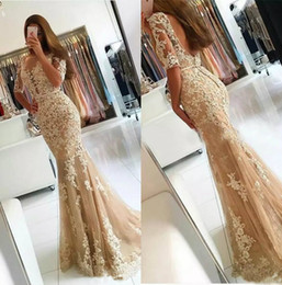 Barato Mulher Champanhe Sexy-Champagne Lace Mermaid Evening Dresses 2017 Applique Sexy Backless Long Prom Dresses Com Manga Vestido De Festa De Festa Formal