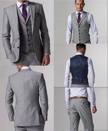 Robes De Gros En Gros Pas Cher-Gros-Nouvelle Collection Deux boutons de mariage Light Grey Groom Smokings Groomsmen Mens Suits Dress Formal (Veste + Pantalon + Gilet + Cravate) NO: 170