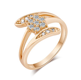 Discount yellow gold engagement ring designs - New Pretty Design Ring for Girls Women Top Quality 18K Yellow Gold Plated Austrian Crystal Ring Nice Gift Drop Shipping