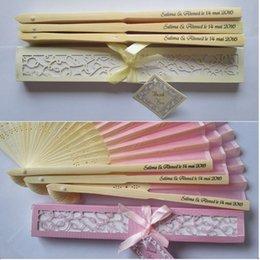 50 pezzi personalizzati fan di seta pieghevole in seta di lusso Pieghevole fan mano in elegante confezione regalo taglio laser bomboniere regali di nozze in Offerta