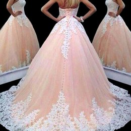 Habille Pour Une Fête De Quinceanera Pas Cher-Bustier Robes de Quinceanera avec balayage autocollantes dentelle A-ligne Robes de train Princesse Pageant Dress Retour Lace Up Tulle Party Celebrity