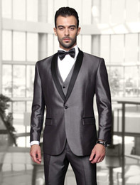 Groomsmen Smoking Noir Argent Pas Cher-Gros-Custom One Button Argent Brillant Groom Smokings Avec Noir Shawl Lapel Best Man mariage porte des costumes Groomsman (Veste + Pantalon + Gilet + Bow