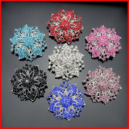 Flower Brooch Black Gold Canada - Crystal Brooch Silver Gold Flowers Brooches Pins Boutonniere Stick Corsages Scarf Clips for Women Men Jewelry Christmas Gift 170663