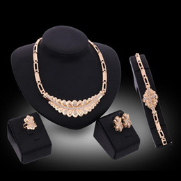 $enCountryForm.capitalKeyWord Australia - Bracelets Necklaces Earrings Rings Jewelry Sets Luxury Fashion Rhinestone 18K Gold Plated Leaves Party Jewelry 4-Piece Set Wholesale JS159