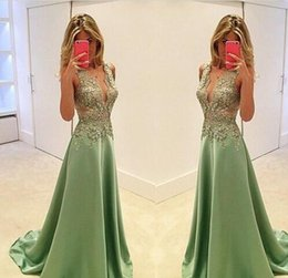 Dentelle Ex Vert V Neck Pas Cher-Exquisite Lace Appliques Long Robes de soirée 2017 Green V Neck sans manches A Line Floor Length Formal Party Plus Size Mariages Guest Robes