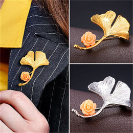 Real Flower Brooches Canada - New Novelty Gingko Leaf Brooch For Women Platinum 18K Real Gold Plated Flower Lapel Pin Broches