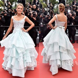 fc052be8a13 2016 Cannes Film Festival Celebrity Dresses Blake Lively Tiered Prom Gowns  Long A-Line Red Carpet Scoop Neckline Appliqued Evening Dress
