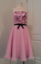 Vestido de dama de camuflaje rosa sin tirantes hasta la rodilla Fiesta de boda corta Dess Camo vestido formal 2017 en venta