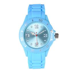 Новый студент спортивные силиконовые часы Мужчины женщины кварцевые наручные часы Пластиковые желе Повседневные платья часы красочные пара подарочные часы