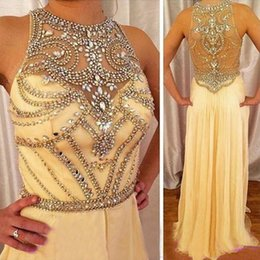 Barato Vestidos De Chiffon Amarelados-Sparkly Light Yellow Beaded Prom Dress Exquisite Cristais Illusion Jewel Neck See Through Back Long Formal Evening Party Vestidos Comprimento do chão