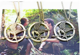 Hunger games online shopping - The Hunger Games Necklaces Inspired Mockingjay And Arrow Pendant Necklace Authentic Prop imitation Jewelry Katniss Movie D800