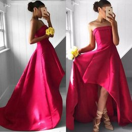 Barato Strapless Barato Vestidos De Baile-2017 Fashion High Low Prom Vestido Strapless Olá Baixo Prom Dresses Cheap Party Gowns Curto Front Long Back Costas personalizadas