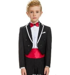 Barato Meninos Do Terno Dobro Breasted-Ternos de casamento de menino Flower Boy Groom Smoking Smoking Double Slim Party Kids 2 peças Tailcoats 2018