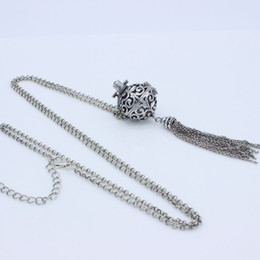 $enCountryForm.capitalKeyWord Canada - 10pcs lot Antique Silver Chain Tassel Hollow Cage Locket Openable Pendant Fragrance Essential Oil Diffuser Aromatherapy Necklace
