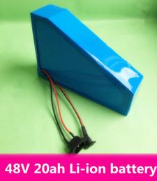 Vente en gros Livraison gratuite Triangle batterie de vélo électrique 48 v 20ah batterie lithium-ion pour 1000w moteur e vélo scooter kit + 2A chargeur + sac