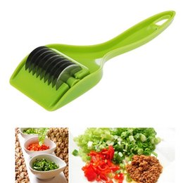 China Stainless Kitchen Accessories Gadgets Blade Green Onion Chopper Slicer Garlic Coriander Cutter Chopper Vegatable Cooking Tools cheap garlic cutter slicer suppliers