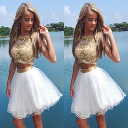 Robes Blanches À L'honneur Pas Cher-2016 Sparkly Blanc et Or courtes robes de bal Deux Pieces Neck Sheer Luxury perlé Crop Top Robes Tulle Jupe Graduation Homecoming Party