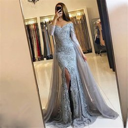 Longues Robes Gris Manches Pas Cher-Sweetheart Lace Appliques Front-Split Plus récent Long Sleeve Mermaid Prom Dress Off the Shoulder Grey Front Slit Robe de soirée
