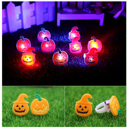 Chocolate Gifts Christmas Canada - Halloween Glow ring LED pumpkin finger flash toy Christmas decoration small gift