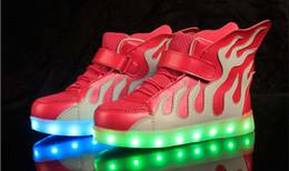 Großhandel 2017 NEW style kinder USB lade LED licht schuhe kinder Nachtclub tanzschuhe jungen und mädchen turnschuhe mode Flamme schuhe freizeitschuhe.