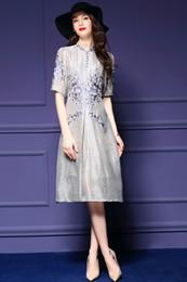 femmes dernier monde mode grâce robes nobles une jupe à manches courtes lin broderie76.7% + soie23.3% haute qualité
