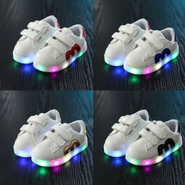 light up shoes for girls 2019 - Hot Led luminous Shoes For Boys girls Fashion Light Up Casual kids new simulation sole Glowing children sneakers XT chea