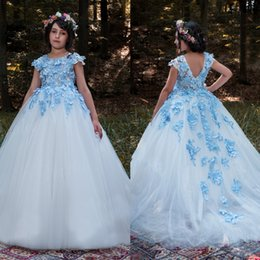 Barato Toddler Flor Girl Dresses Train-Sky Blue Applique Meninas Vestidos de dama de honra Flores artesanais Backless Flower Girl Vestido Short Sleeve Sweep Train Toddler Vestidos de redação