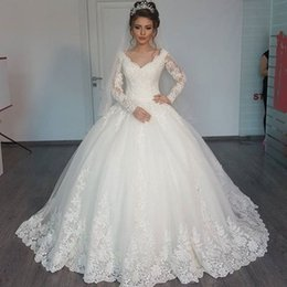 $enCountryForm.capitalKeyWord NZ - 2018 Vintage Lace Ball Gown Wedding Dresses Long Sleeves V Neck Appliques Sweep Train Elegant Bridal Wedding Gowns Plus Size Custom Made