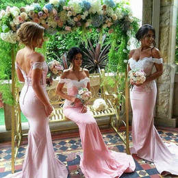 Femmes Enceintes Pas Cher-Sexy Off the Shoulder Robe de demoiselle d'honneur Charming Woman Sheath Lace Party Gown New Arrival Backless Sleeveless Wedding Night Dresses