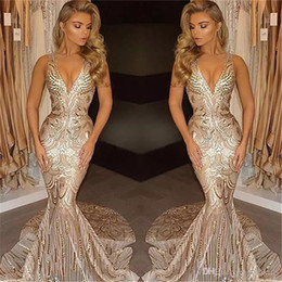 Discount african wears dresses - 2017 Luxury Dubai Gold Evening Dresses Mermaid V Neck Sexy African Prom Gowns Vestidos Special Occasion Dresses Evening