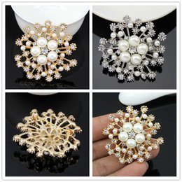 Flower Brooches For Weddings Canada - New Fashion Zinc Alloy Brooches For Wedding Bijoux Luxury Women Rhinestone Pearl Brooch Crystal Flowers Brooches Pins