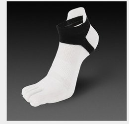 White Cotton Ankle Socks Canada - 2017 Men Five Finger Socks Spring Winter Men Cotton Socks Patchwork Color Breathable Ankle Toe Socks Free Size 1pair=2pieces