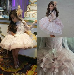 Robe À Lacets À Longue Palette Pas Cher-Flower Girls Dress For Wedding Appliques en dentelle 3D Floral Long Sleeves Livraison gratuite Tiered Little Girl's Pageant Dress For Sales