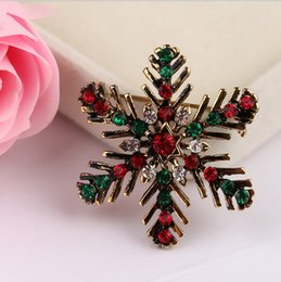 elegant suit for party NZ - Christmas Suit Pins Antique Gold Colour Crystals Brooches Brooch Elegant Design Christmas Snowflake Bouquet Rhinestone Brooch For Women