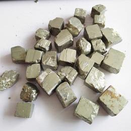Natural precioso agradable cristal de cubo de calcopirita curación de piedra mineral de cristal para la venta piedras caídas s espécimen cubo en venta