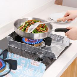 Vente en gros Réchaud de gaz non d'huile de tapis de papier d'aluminium d'huile de cuisine de cuisine avec le coussin fortement isolé par décontamination fort facile à nettoyer