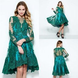 Barato Botões Verdes Baratos-Vintage Emerald Green Dress Evening Wear manga comprida Sheer Neck Cheap Prince Pageant Vestidos Botões Comprimento do joelho Cocktail Prom Dresses