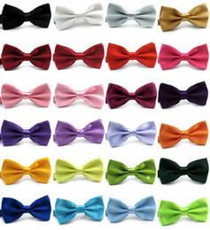 Papillon 39 colori Regolare la fibbia di colore solido bowknot Papillon professionale per cravatta papà regalo di Natale TNT gratuito FEDEX in Offerta