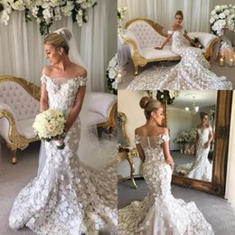 Barato Applique Ombro Nupcial-Gorgeous Off The Shoulder Mermaid Wedding Dresses Long pétalas Handmade Appliques vestido de casamento longo Sheer Back Covered Botas Bridal Gowns